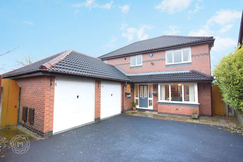 4 Bedrooms Detached House for sale in Beauly Close, Ramsbottom, Bury, BL0