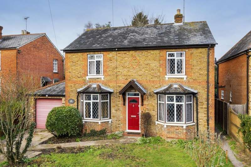3 Bedrooms Detached House for sale in Sunninghill, Berks