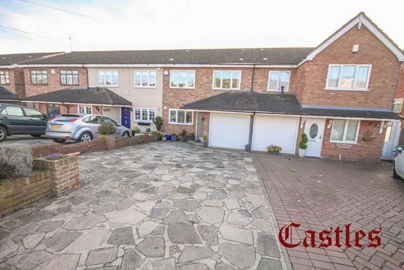 4 Bedrooms Property for sale in Upshire Road, Waltham Abbey, Essex, EN9
