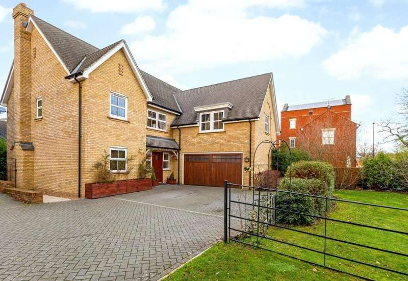 5 Bedrooms Detached House for sale in Woolston Place, Sherfield Park, Sherfield-On-Loddon, Hook, RG27