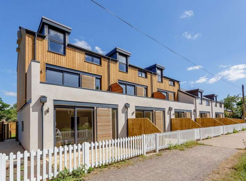 4 Bedrooms Terraced House for sale in Basingstoke Road, Aldermaston Wharf, RG7