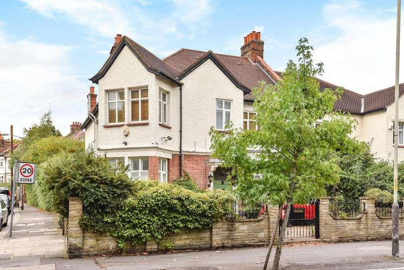 6 Bedrooms Semi Detached House for sale in Half Moon Lane, Herne Hill