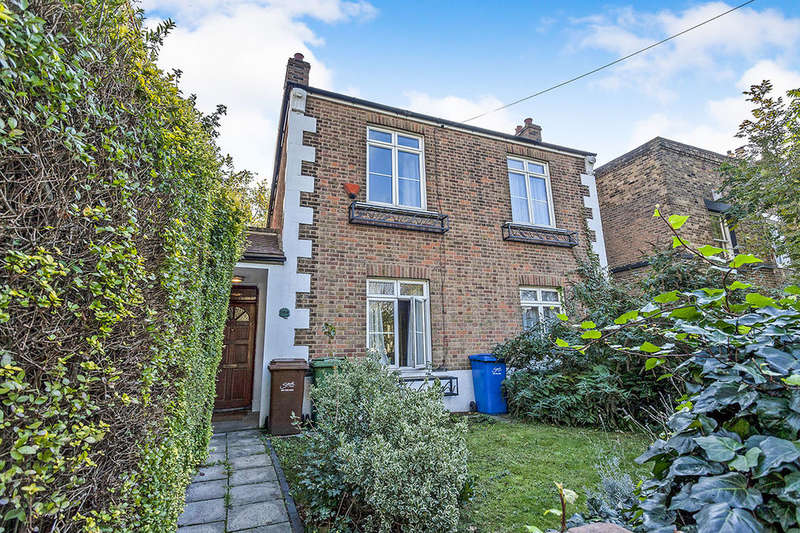 3 Bedrooms Detached House for sale in Commercial Way, LONDON, SE15