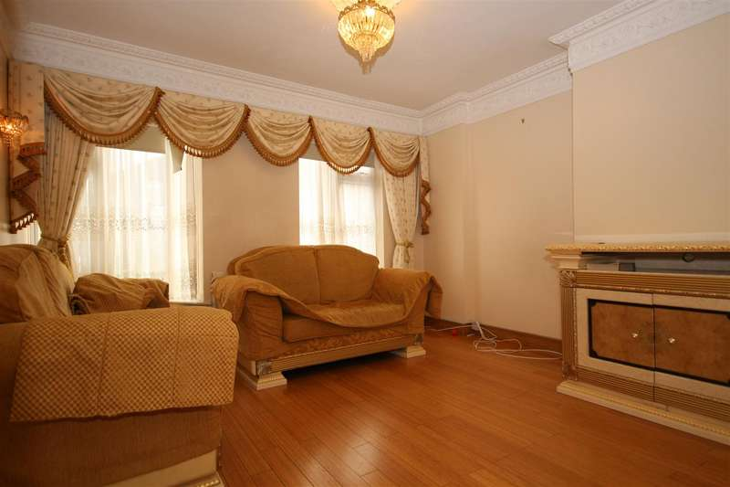 4 Bedrooms Terraced House for rent in Sunningdale Avenue, Acton, W3 7NS
