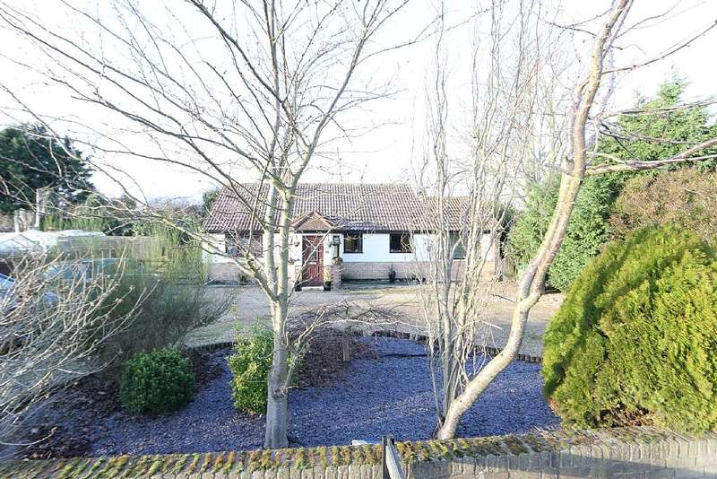 3 Bedrooms Detached Bungalow for sale in The Drove, Barroway Drove, Downham Market, Norfolk, PE38 0AN