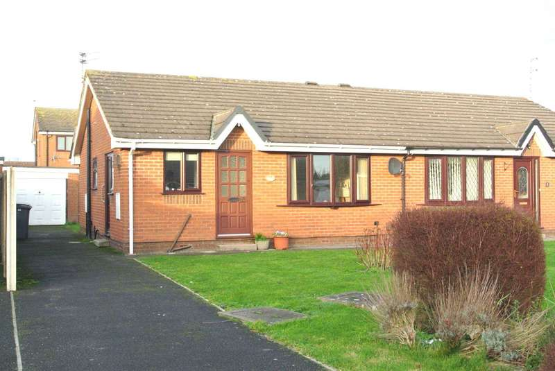 2 Bedrooms Semi Detached House for sale in Bamburgh Close, Blackpool, FY4 5FA