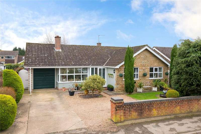 3 Bedrooms Detached Bungalow for sale in High Gate, Helpringham, Sleaford, Lincolnshire, NG34