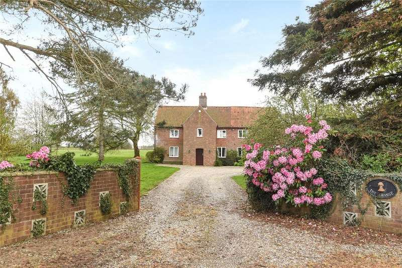 5 Bedrooms Detached House for sale in Reepham Road, Brandiston, Norwich