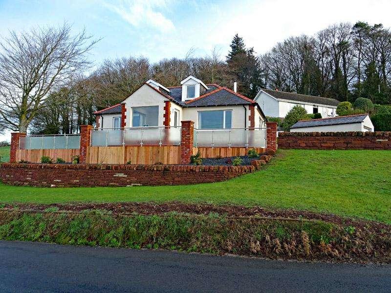 3 Bedrooms Detached House for sale in Langholm Road, Lockerbie DG11