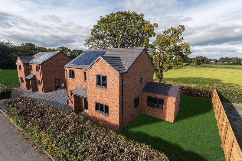 4 Bedrooms Detached House for sale in Plot 2, Greenfields, Tudor Drive, Penley, Near Ellesmere