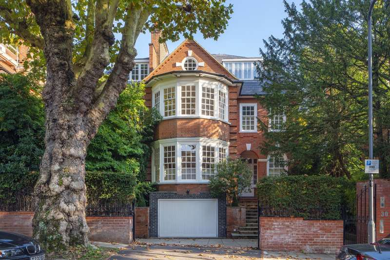 7 Bedrooms Detached House for sale in Heath Drive, Hampstead