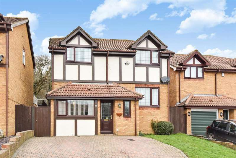 5 Bedrooms Detached House for sale in The Fairway, NEWHAVEN