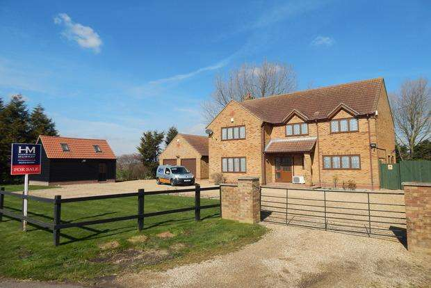 4 Bedrooms Detached House for sale in Holme Road, Ramsey St. Marys, Huntingdon, PE26