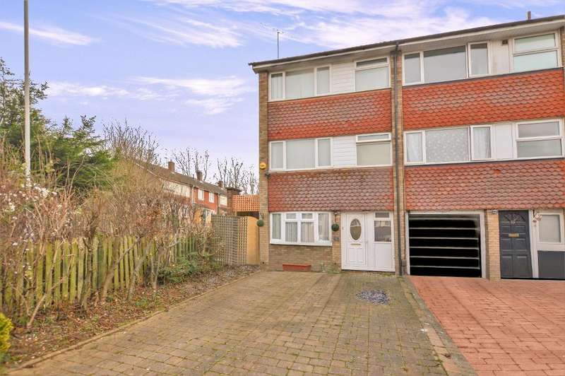 4 Bedrooms Town House for sale in Swasedale Road, Luton, Bedfordshire, LU3 2UD