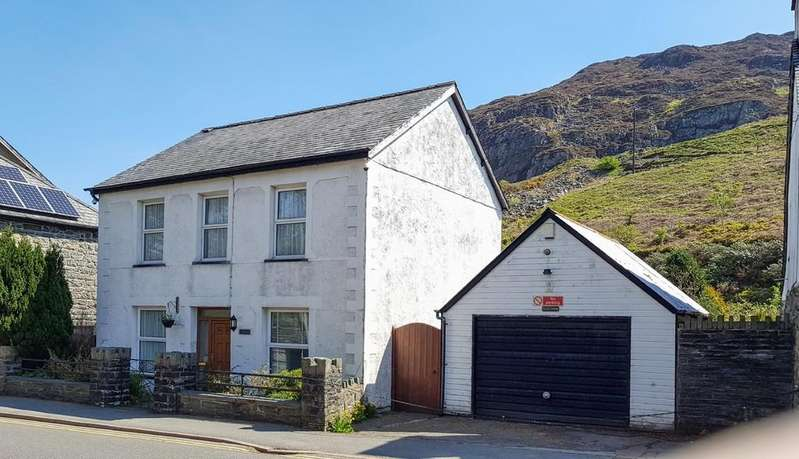 4 Bedrooms Detached House for sale in Manod Road, Blaenau Ffestiniog, North Wales