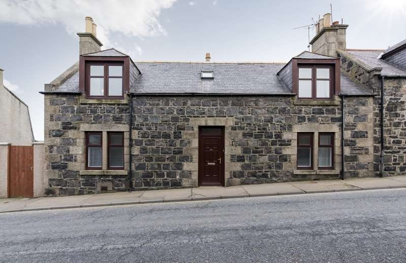 4 Bedrooms Semi Detached House for sale in Skene Street, Macduff, Aberdeenshire, AB44 1RL