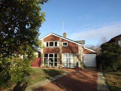 4 Bedrooms Detached House for sale in Hythe, Southampton, Hampshire