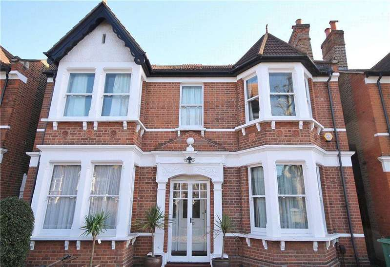 5 Bedrooms Detached House for sale in The Avenue, London, W13