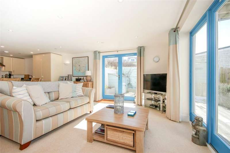 3 Bedrooms Apartment Flat for sale in Crabshell Heights, Embankment Road, Kingsbridge, Devon, TQ7