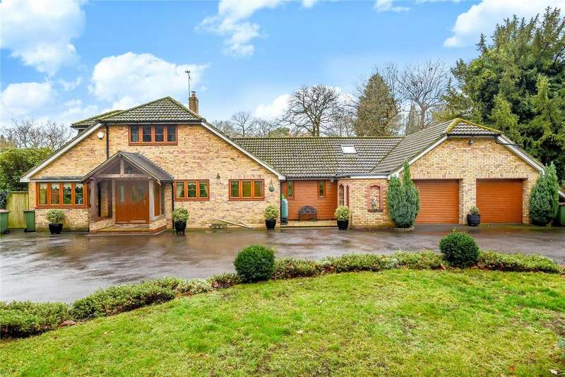 3 Bedrooms Detached House for sale in Hocombe Road, Chandler's Ford, Hampshire, SO53
