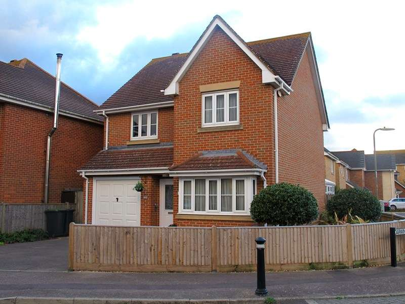 3 Bedrooms Detached House for sale in Fitzroy Drive, Lee-On-The-Solent