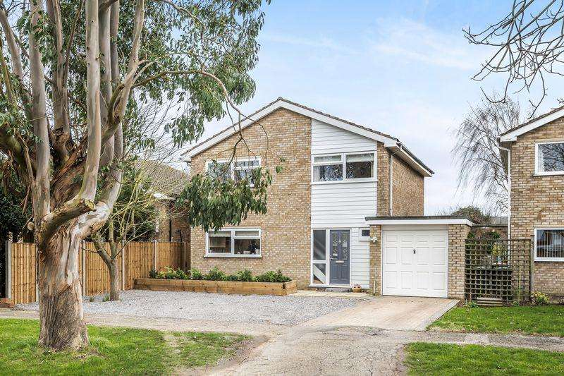 4 Bedrooms Detached House for sale in Whitworth Way, Wilstead