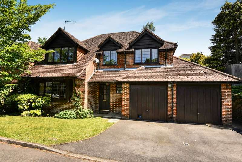 4 Bedrooms Detached House for sale in Flackwell Heath, Buckinghamshire, HP10