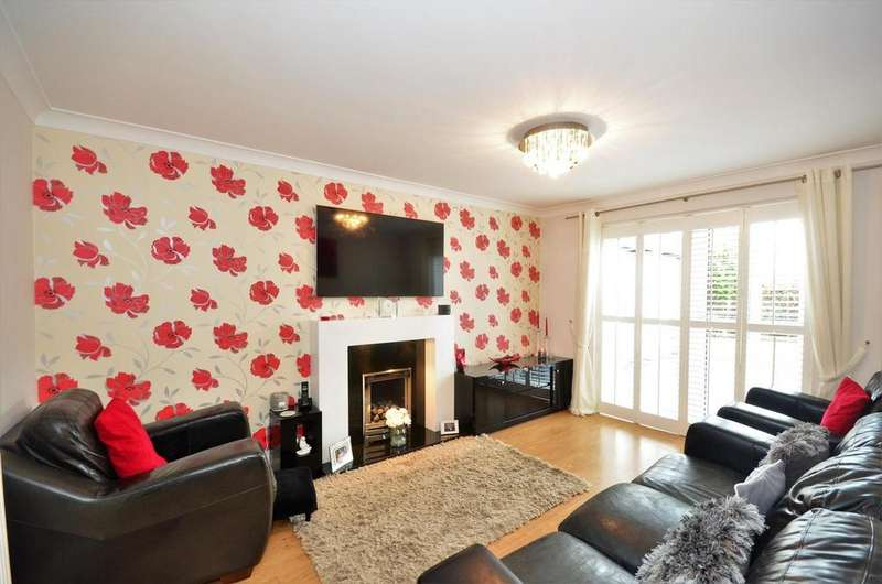 5 Bedrooms Detached House for sale in Callum Drive, South Shields