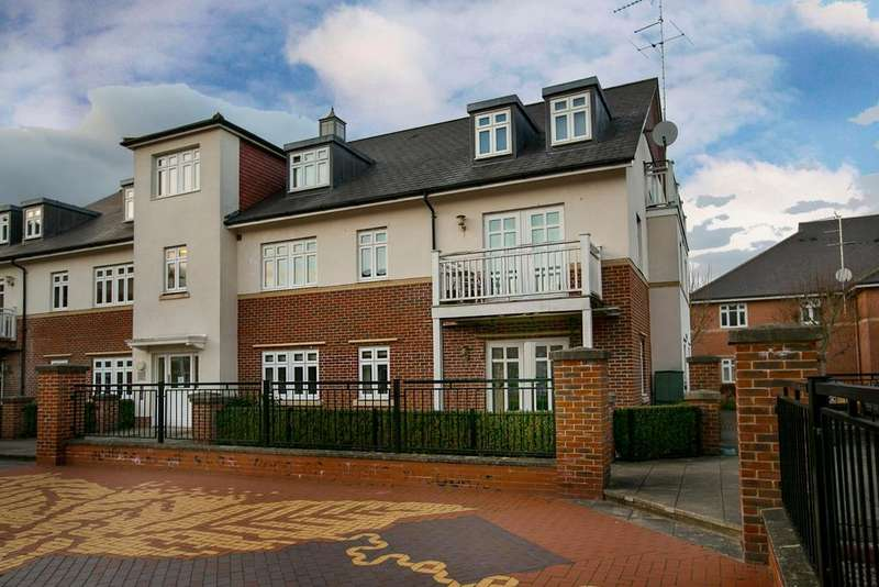 2 Bedrooms Apartment Flat for sale in Gabriels Square, Lower Earley, Reading, RG6 3WP