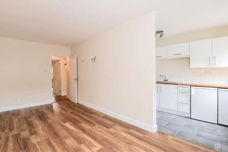 1 Bedroom Apartment Flat for sale in Barton House, 36 George Street, Kingsclere, Newbury, RG20
