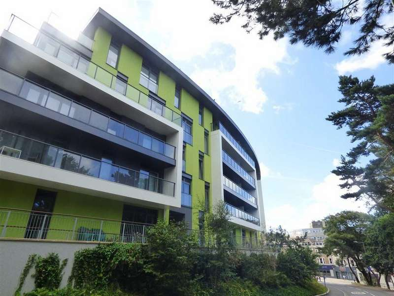 2 Bedrooms Flat for sale in Maderia Road, Bournemouth, Dorset