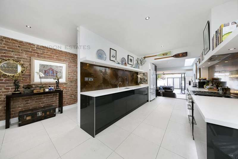4 Bedrooms Terraced House for sale in Perrers Road, Hammersmith, W6