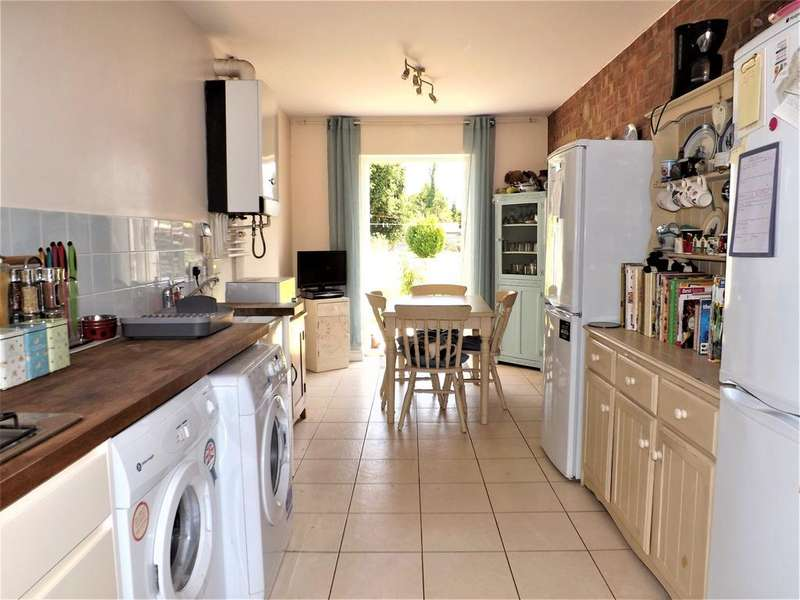 4 Bedrooms Semi Detached House for sale in King George V Avenue, Holbeach