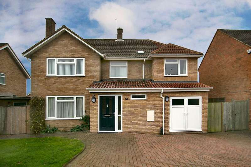 4 Bedrooms Detached House for sale in Betchworth Avenue,Earley, Reading, RG6 7RJ