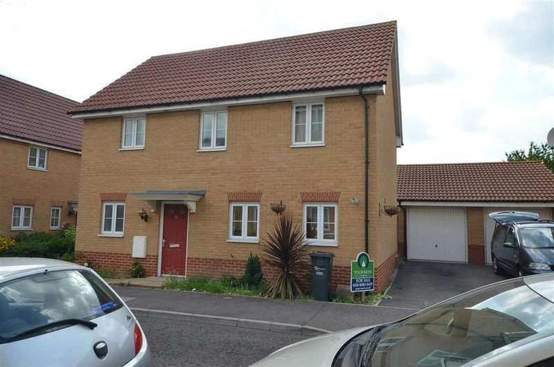 4 Bedrooms Detached House for sale in Panyers Gardens, Dagenham