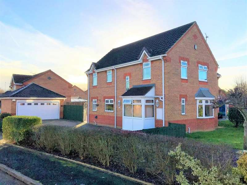 4 Bedrooms Detached House for sale in Maidwell Close, Winsford