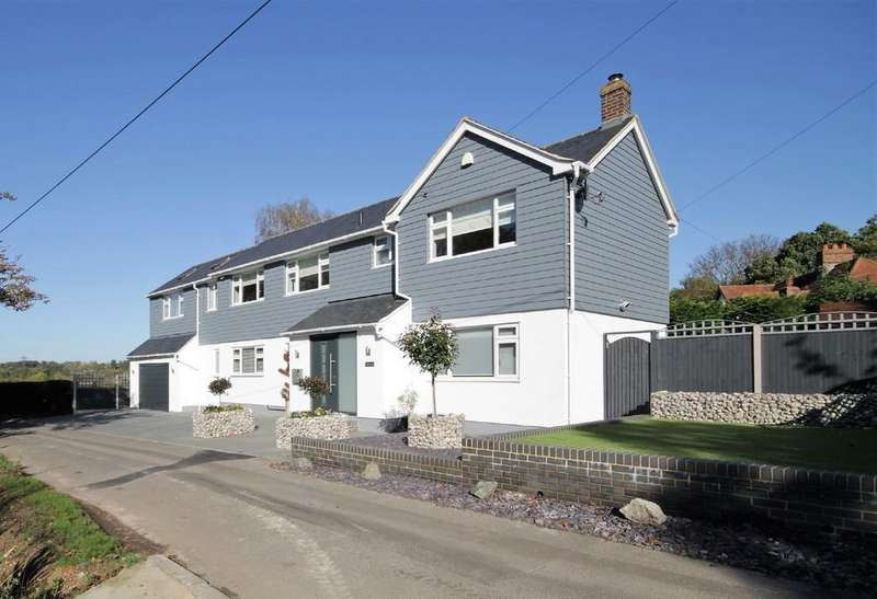 5 Bedrooms Detached House for sale in Belchers Lane, Bumbles Green, Nazeing
