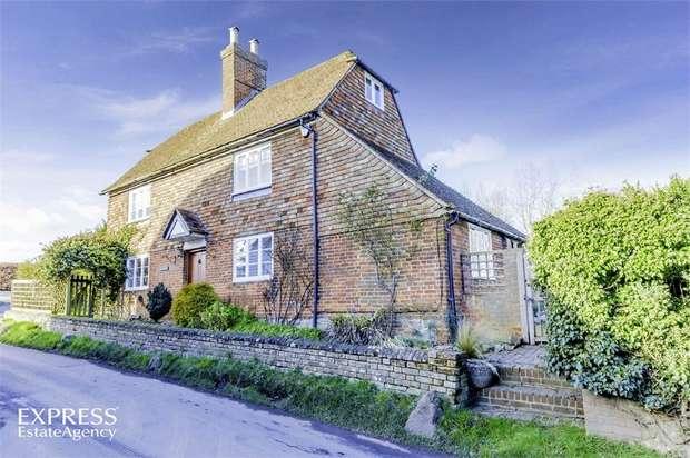 4 Bedrooms Detached House for sale in Fairbourne Lane, Harrietsham, Maidstone, Kent
