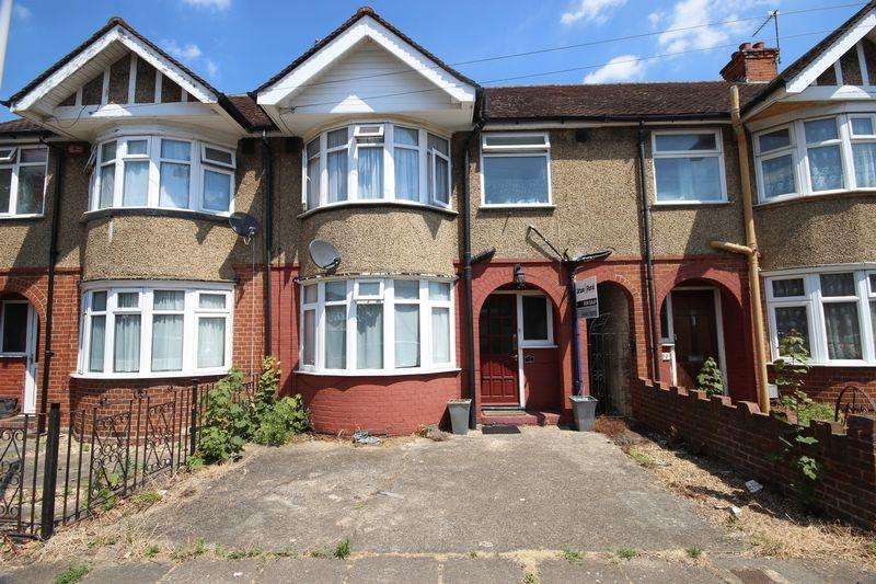 3 Bedrooms Terraced House for sale in Britannia Avenue