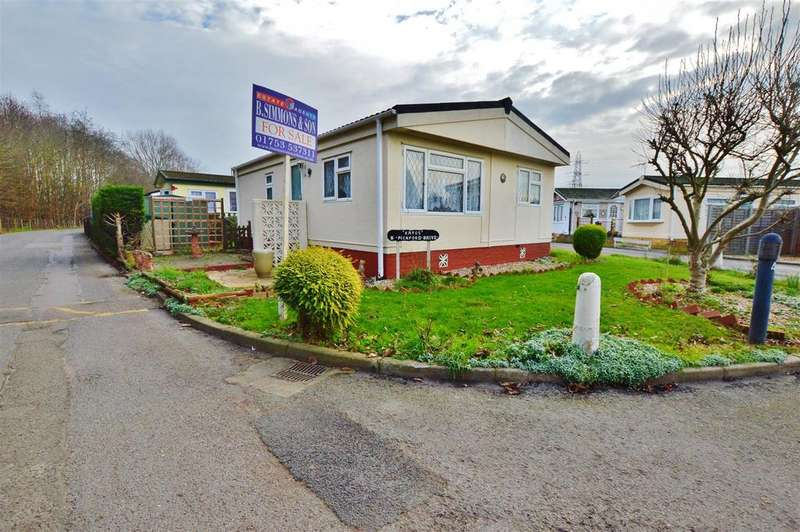 2 Bedrooms Park Home Mobile Home for sale in Pickford Drive, Orchard Park, Langley