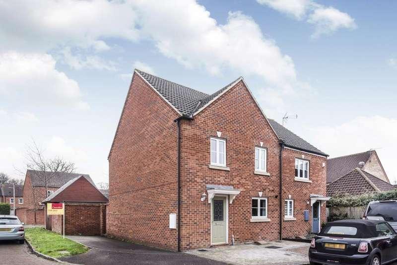 3 Bedrooms House for sale in Rosebay, Wokingham, RG40