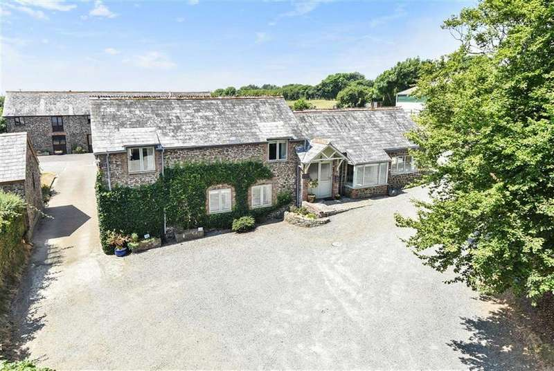 4 Bedrooms Detached House for sale in Ivyleaf Hill, Bude, Bude, Cornwall, EX23