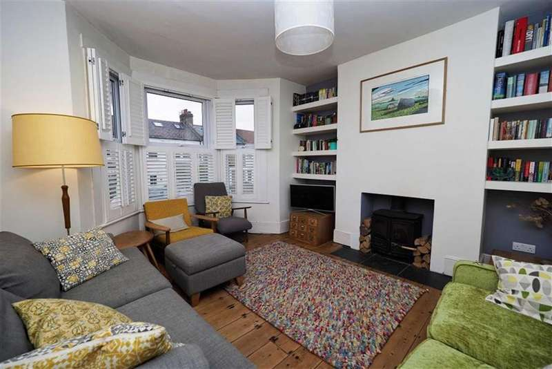 3 Bedrooms Terraced House for sale in Genesta Road, Shooters Hill, London, SE18