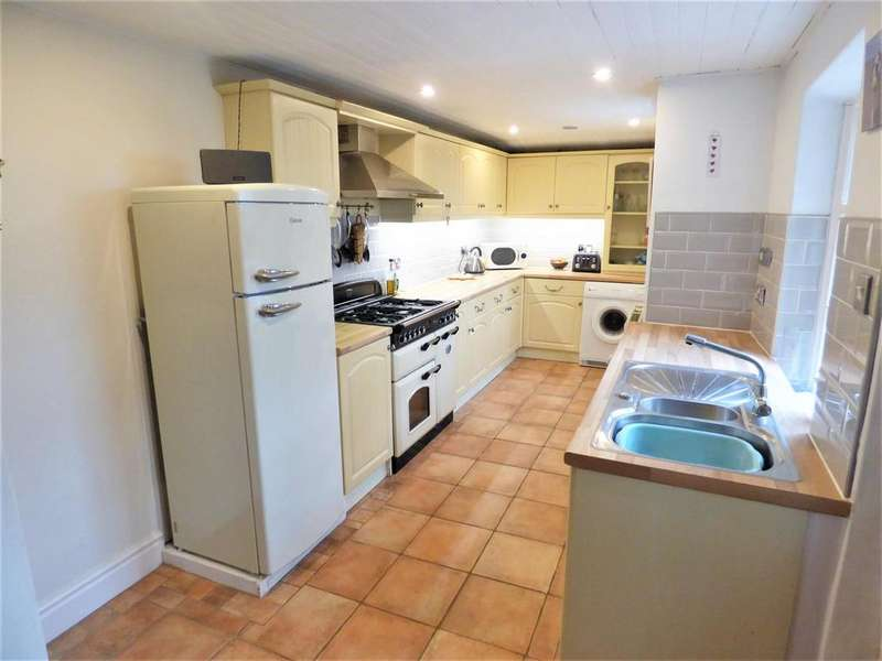 3 Bedrooms Semi Detached House for sale in Main Road, Bolton Le Sands, Carnforth