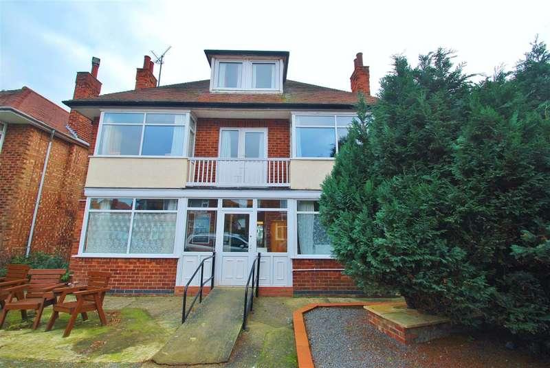 10 Bedrooms Detached House for sale in Glentworth Crescent, Skegness