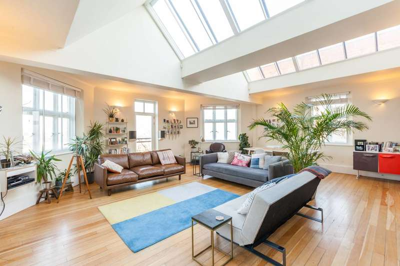 2 Bedrooms Flat for sale in St Gabriels Manor, Camberwell, SE5