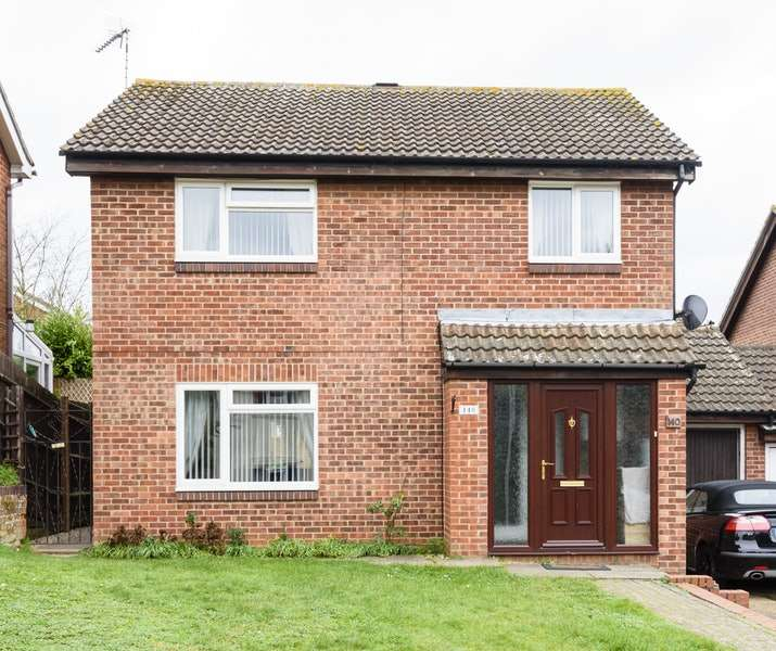 4 Bedrooms Detached House for sale in Raedwald Drive, Bury St Edmunds, Suffolk, IP32