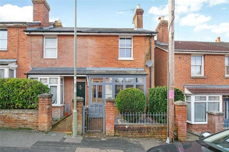 3 Bedrooms End Of Terrace House for sale in Nelson Road, Winchester, Hampshire, SO23
