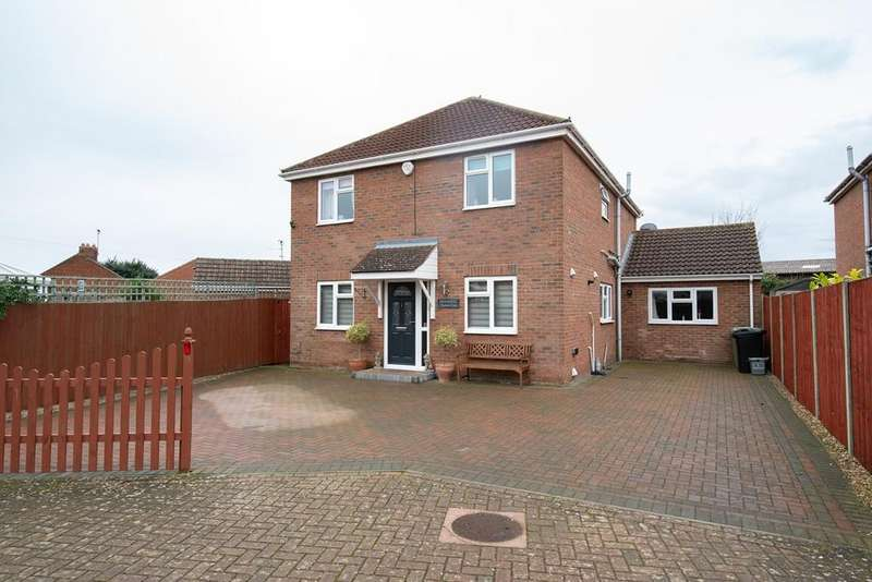 4 Bedrooms Detached House for sale in Burmor Close, Bourne, PE10