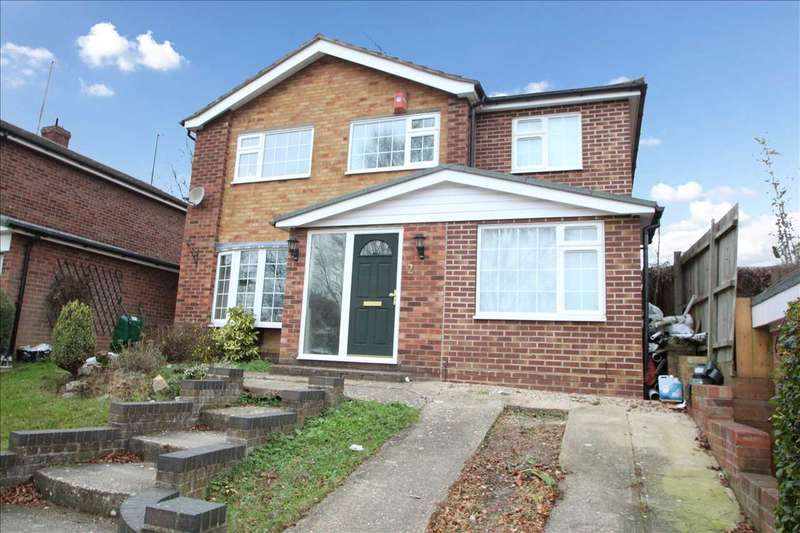 4 Bedrooms Detached House for sale in Booth Avenue, Colchester